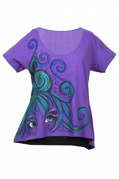 t-shirt Lady with purple hair
